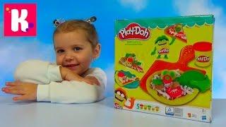 Катя делает игрушечную пиццу из пластилина Play - Doh распаковка набора Pizza unboxing toy and play