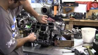 getlinkyoutube.com-Motorcycle Splitting The Crank Case Pt3