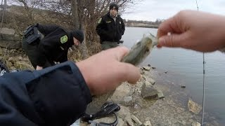 getlinkyoutube.com-A Visit From the Police While Crappie Fishing