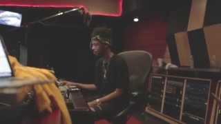 "getlinkyoutube.com-Metro Boomin & Travis Scott Working on ""Skyfall"""