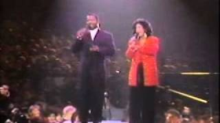 "getlinkyoutube.com-BeBe and CeCe Winans ""For Unto Us a Child is Born"""