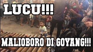 LUCU!!! Anak Kecil Joget Di Malioboro!!