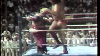 getlinkyoutube.com-WWC: Abdullah The Butcher vs. Andre The Giant (1983)