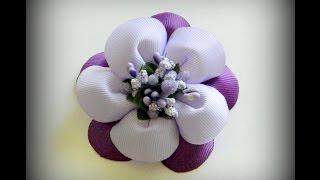 getlinkyoutube.com-Цветок канзаши из репсовых лент