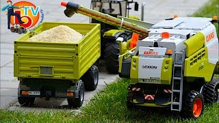 getlinkyoutube.com-BRUDER Toys CLAAS Traktor Combine