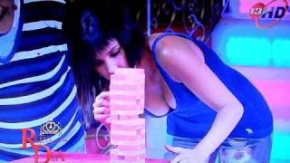 getlinkyoutube.com-Andrea Escalona brincando sexy