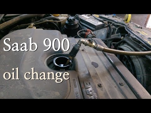Saab 900 - Oil Change (Замена масла через щуп)
