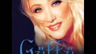 Güllü – Sen Yoksun Ya şarkısı dinle