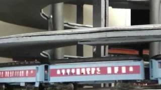 getlinkyoutube.com-NTS&B Polar Express, Hogwarts, and other engines making up 15 Feet long trains on Heli