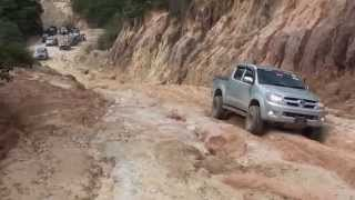 getlinkyoutube.com-TOYOTA HILUX OFFROAD 4x4 (MORExtreme). Malaysia