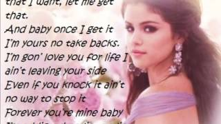 getlinkyoutube.com-Selena Gomez - Come and get it (LYRICS ON SCREEN)