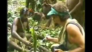 getlinkyoutube.com-Isolated tribe man meets modern tribe man for the first time - Original Footage full