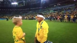 getlinkyoutube.com-Neymar celebrating with his son Davi Lucca after winning the Final vs  Germany.