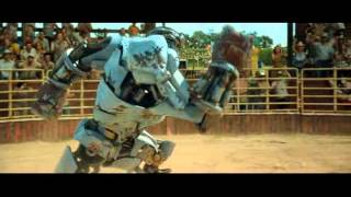 getlinkyoutube.com-real steel - Ambush vs Black Thunder (poor robot defeated by a bull)