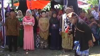 getlinkyoutube.com-Ki Lengser Mapag Panganten - Upacara Pernikahan Adat Sunda   ProMedia