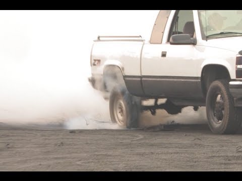 Burnout - Reverse tire explosion - Automotion 2013