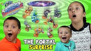 getlinkyoutube.com-Epic Portal Surprise of Skylanders SuperChargers Wave 1 & 2 Toys & Starter Packs