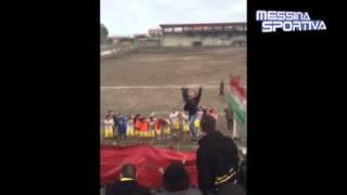 I tifosi dell'Igea Virtus celebrano il successo di Giarre: la serie D è ad un passo