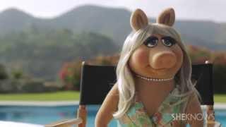 getlinkyoutube.com-Miss Piggy Talks Being a Diva & Running for President - Girl Crush