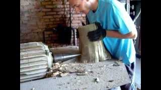 getlinkyoutube.com-колим плохие дрова (Cone wood splitter)