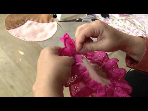 Veja como fazer uma almofada de boneca Matrioska!