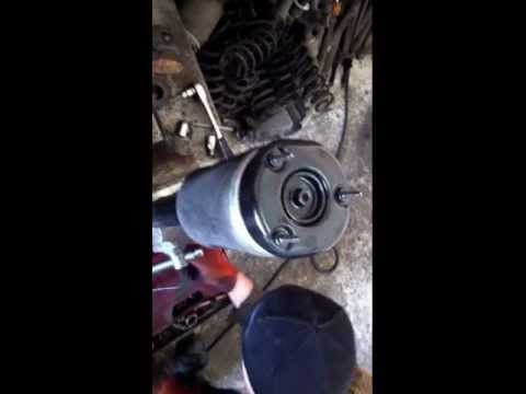 Замена пневмо подушки передней GL Ml 164 Mercedes