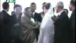 getlinkyoutube.com-সেনাসদরে মুখোমুখি খালেদা-হাসিনা...