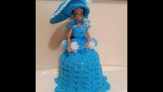 getlinkyoutube.com-Crochet Fashion Doll toilet paper roll cover or birthday cake topper Part 1 of 2 DIY tutorial