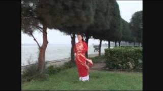 getlinkyoutube.com-Quảng Bình quê ta ơi - Thùy Linh