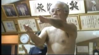 getlinkyoutube.com-Karate de Okinawa - KARATE DE VERDADE