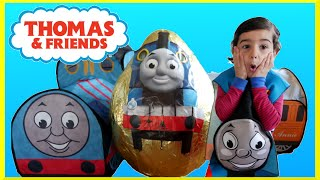 getlinkyoutube.com-GIANT EGG SURPRISE OPENING Thomas and Friends Toys GIANT Surprise Egg Worlds Biggest Surprise Egg