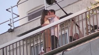 getlinkyoutube.com-Dakota Johnson and Jamie Dornan Kiss on the 50 Shades of Grey set in Paris