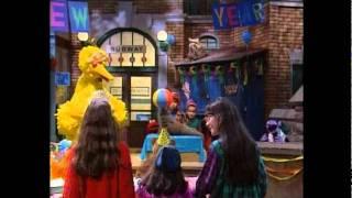 getlinkyoutube.com-Sesame Street: New Year's countdown
