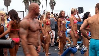 getlinkyoutube.com-Backstage at a Muscle Beach Bodybuilding Contest