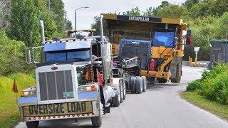 getlinkyoutube.com-Caterpillar 777 Mining Haul Truck Transported by 11 Axle Lowboy