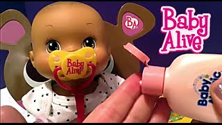 getlinkyoutube.com-Baby Alive Storytime Rocking Chair Baby Doll Sarah's Feeding and Changing