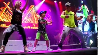 Zumba, Reebok Wellness Marathon, Julie, Fanny und Karesz with Beto on stage