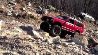 getlinkyoutube.com-1998 Cherokee on 35's rock crawling