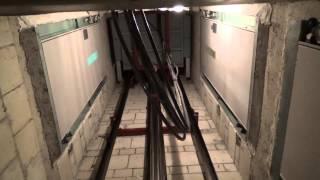 getlinkyoutube.com-1982 Hydraulic Elevator - engine and shaft view