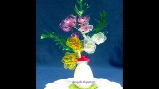 getlinkyoutube.com-Tutorial Arreglo Rosas Cristal (Botella de Plastico)
