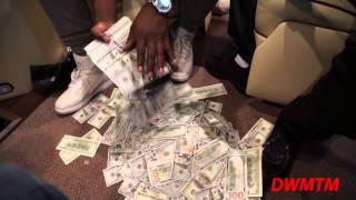 Meek Mill Flosses Crispy Hundreds On The Private Jet!