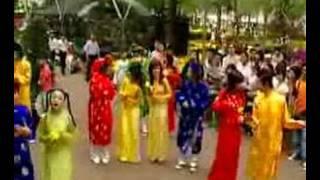 getlinkyoutube.com-Long Phung Sum Vay