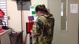 getlinkyoutube.com-Torque wrench calibration check  Habor Freight vs Snap On