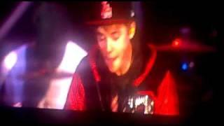 Justin Bieber rap sur l'intru de look at me now