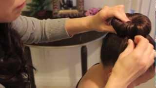 getlinkyoutube.com-靴下!を使ってまとめ髪 ソックバン Sock bun