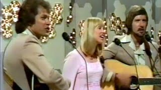 getlinkyoutube.com-The Seekers - Reunion (STEREO) 1975, with Louisa Wisseling