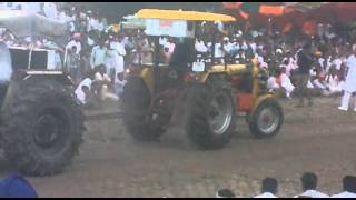 getlinkyoutube.com-Tractor Tochan ford 7000...BAGGI MAAN RED22