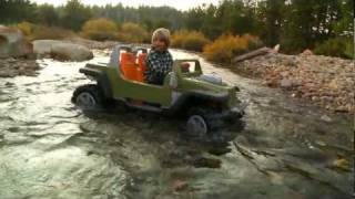 getlinkyoutube.com-Power Wheels Jeep Hurricane with Creek Crossing