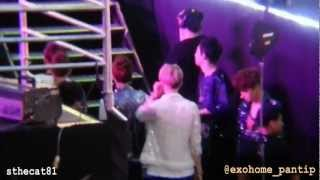 getlinkyoutube.com-[FANCAM]  130316 EXO-K during SISTAR Perf (KAI, Chanyeol, Sehun & D.O. focus) KMW2013 in Bangkok