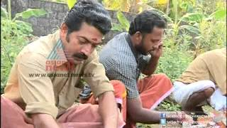 """getlinkyoutube.com-""""Small Vegetable farm by youngsters in Kochi""""-Money Time 17,February 2013 Part 4"""